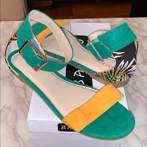 Two Toned Tropical Open Toe Side Buckle Sandals
